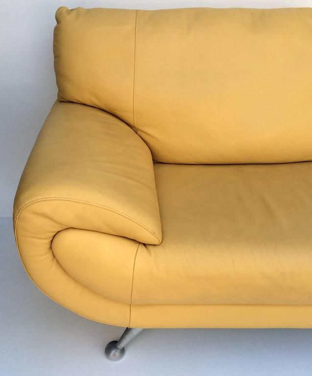 Nicoletti Leather Chaise Lounge In Excellent Condition In West Palm Beach, FL