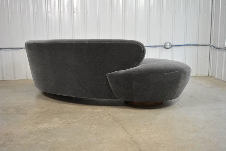 Late 20th Century Vladimir Kagan Sofa For Sale