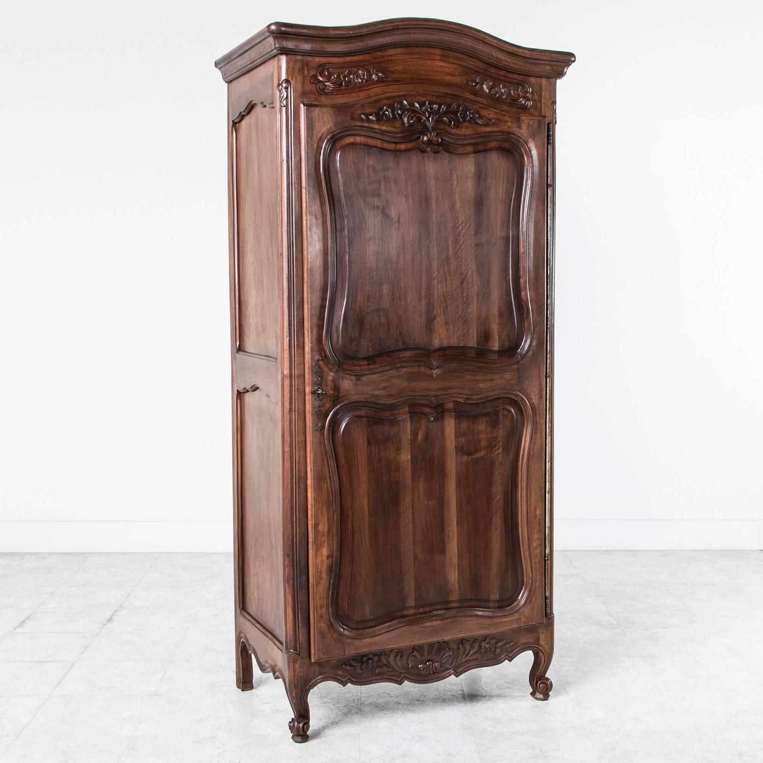 solid french walnut louis xv style bonnetiere single door. Black Bedroom Furniture Sets. Home Design Ideas