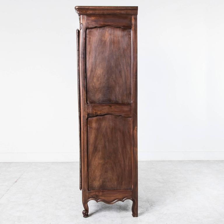 solid french walnut louis xv style bonnetiere single door armoire cabinet at 1stdibs. Black Bedroom Furniture Sets. Home Design Ideas