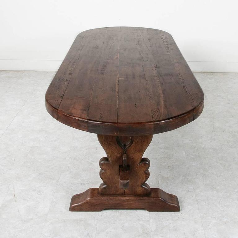 Charmant Grand Antique French Handmade Solid Oak Oval Monastery Farm Dining Table In  Excellent Condition For Sale