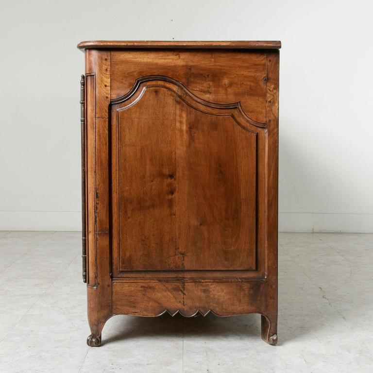 18th Century Louis XV Period French Hand-Carved Walnut Sideboard Enfilade Buffet 8