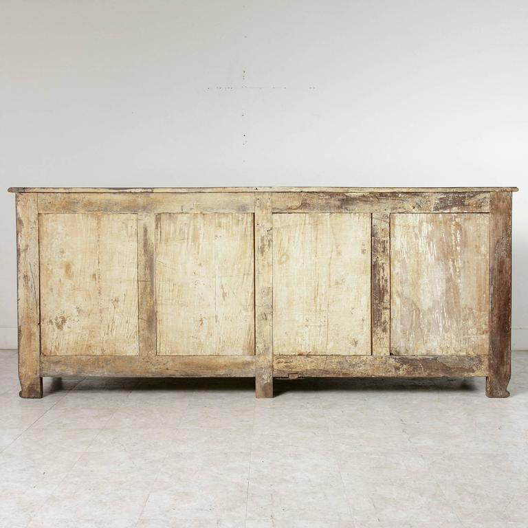 18th Century Louis XV Period French Hand-Carved Walnut Sideboard Enfilade Buffet For Sale 4