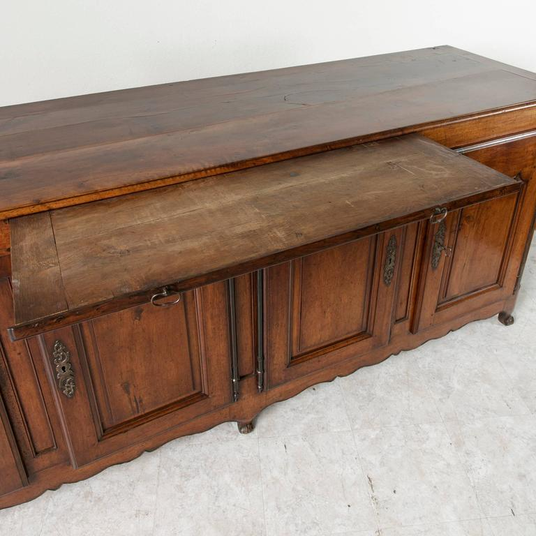18th Century Louis XV Period French Hand-Carved Walnut Sideboard Enfilade Buffet 2