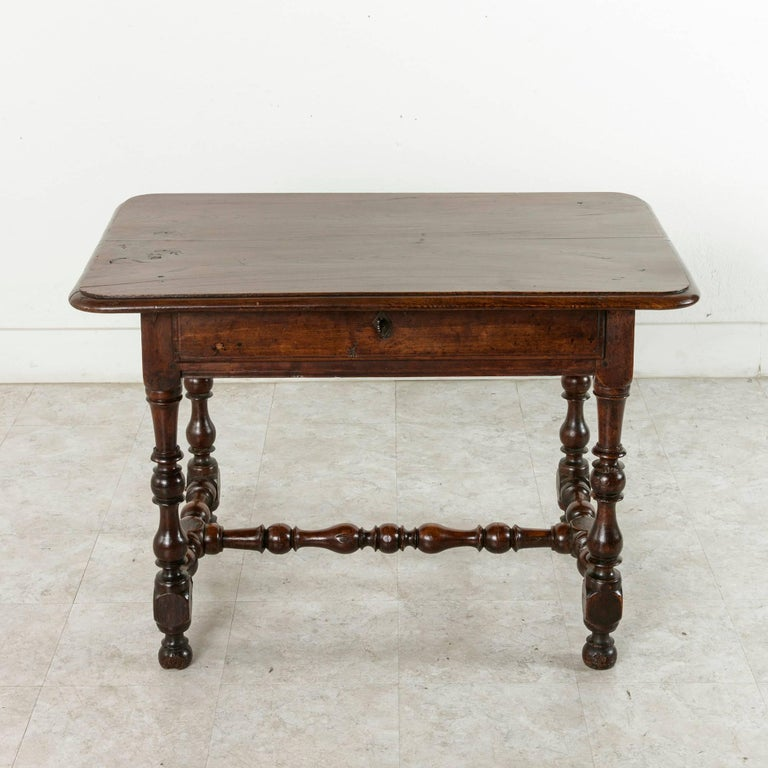 18th century louis xiii style oak table with turned legs and single drawer for sale at 1stdibs. Black Bedroom Furniture Sets. Home Design Ideas