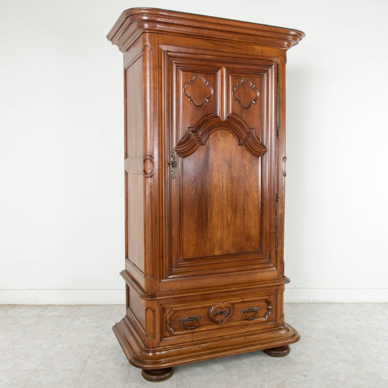 rare 18th century louis xiii hand carved walnut chateau armoire or bonnetiere for sale at 1stdibs. Black Bedroom Furniture Sets. Home Design Ideas
