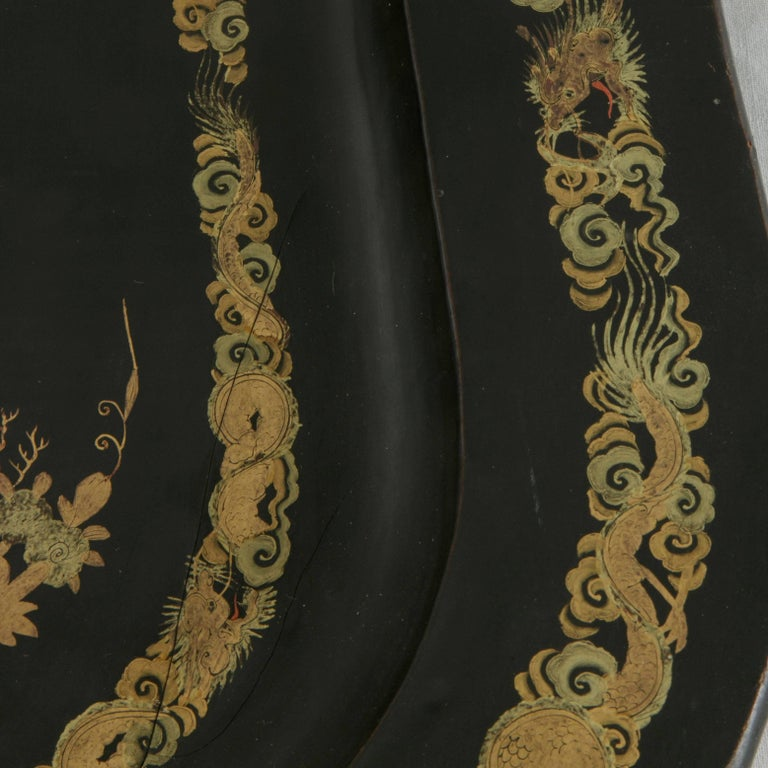 Hand-Painted Large 19th Century Chinese Export Black Lacquer Wooden Serving Tray For Sale