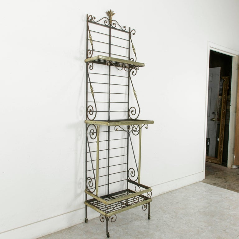 Mid-20th Century French Iron Baker's Rack with Brass Trim and Shock of Wheat For Sale 1