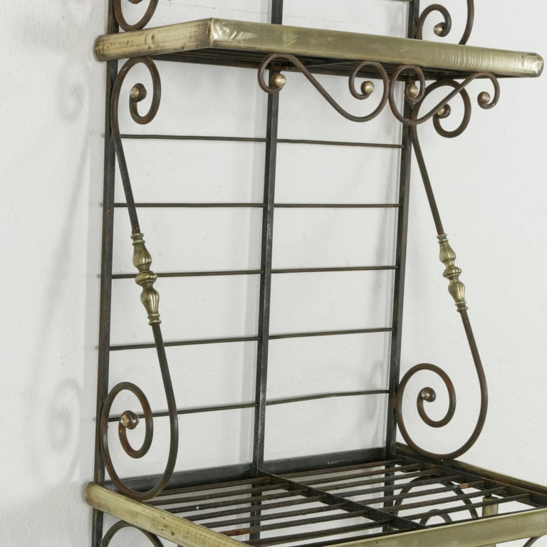 Mid-20th Century French Iron Baker's Rack with Brass Trim and Shock of Wheat For Sale 4