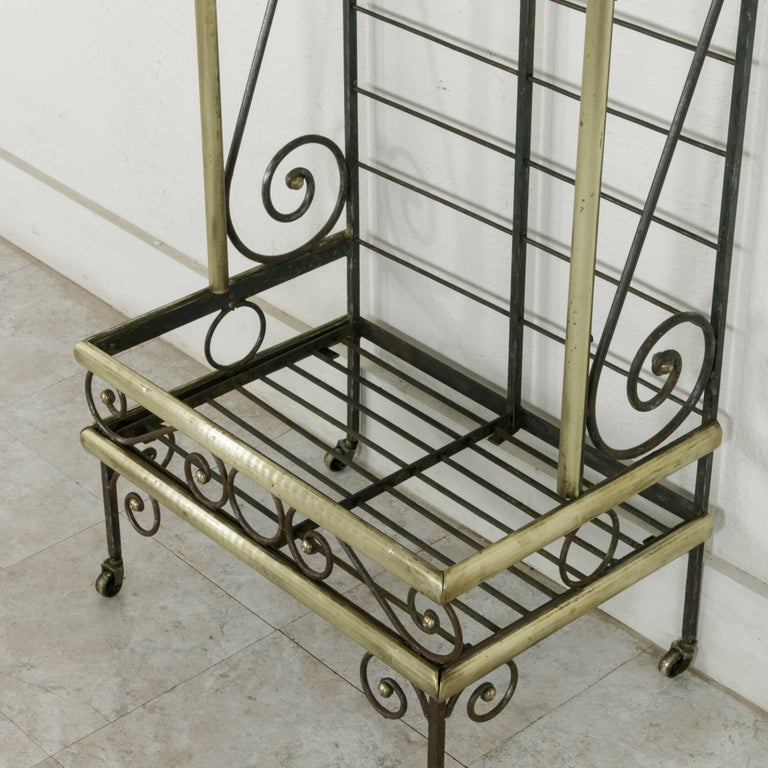 Mid-20th Century French Iron Baker's Rack with Brass Trim and Shock of Wheat For Sale 6