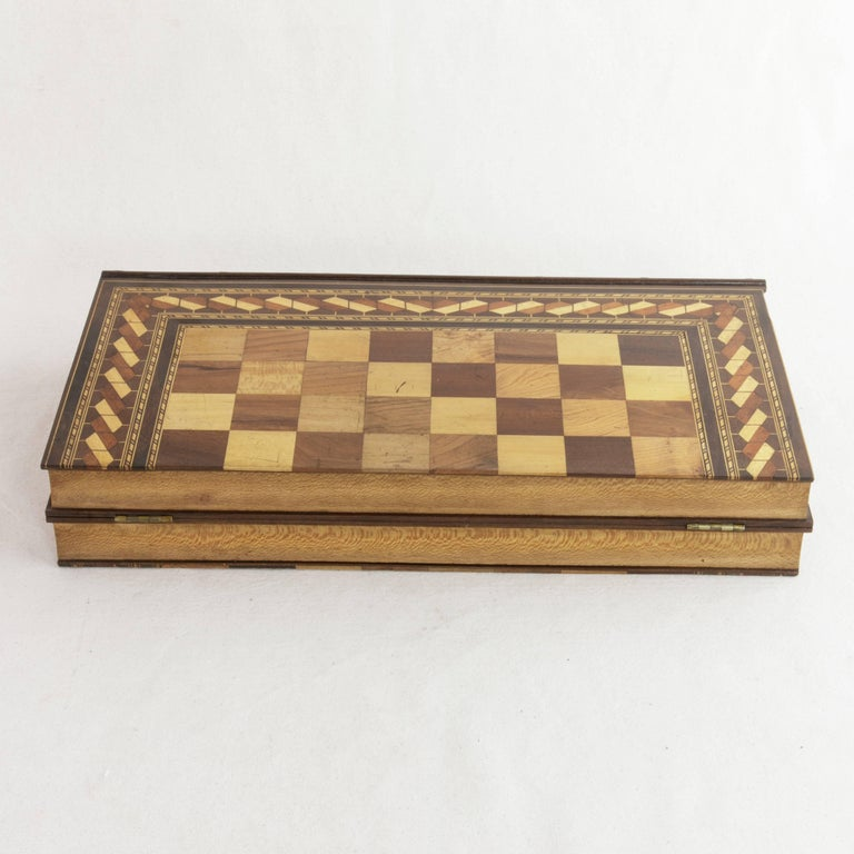 Hinged Marquetry Game Box for Chess, Checkers, Backgammon, Stacked Books Form In Excellent Condition For Sale In Fayetteville, AR