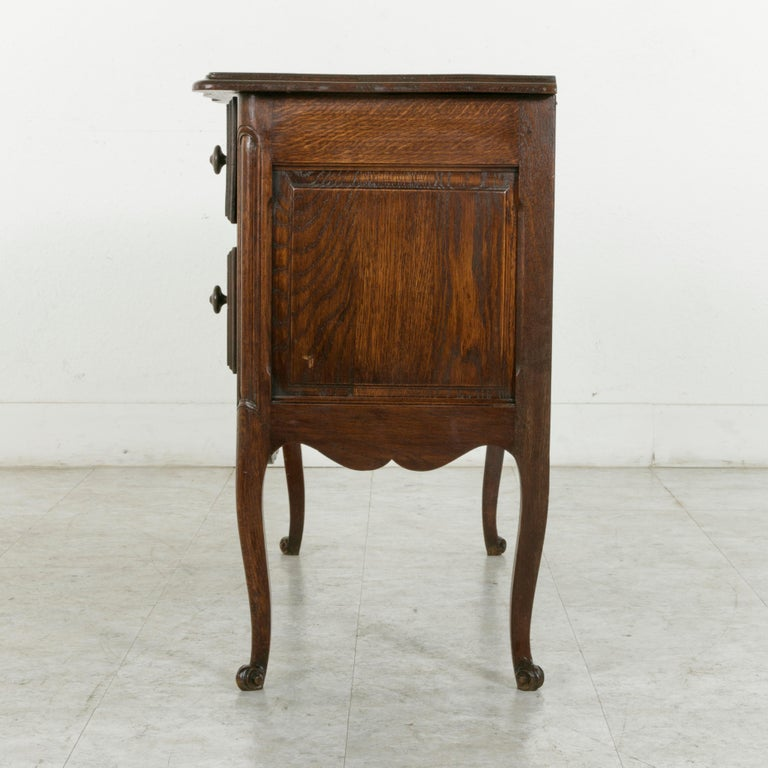 Mid-20th Century Early 20th Century French Louis XV Style Hand Carved Oak Commode Sauteuse, Chest For Sale
