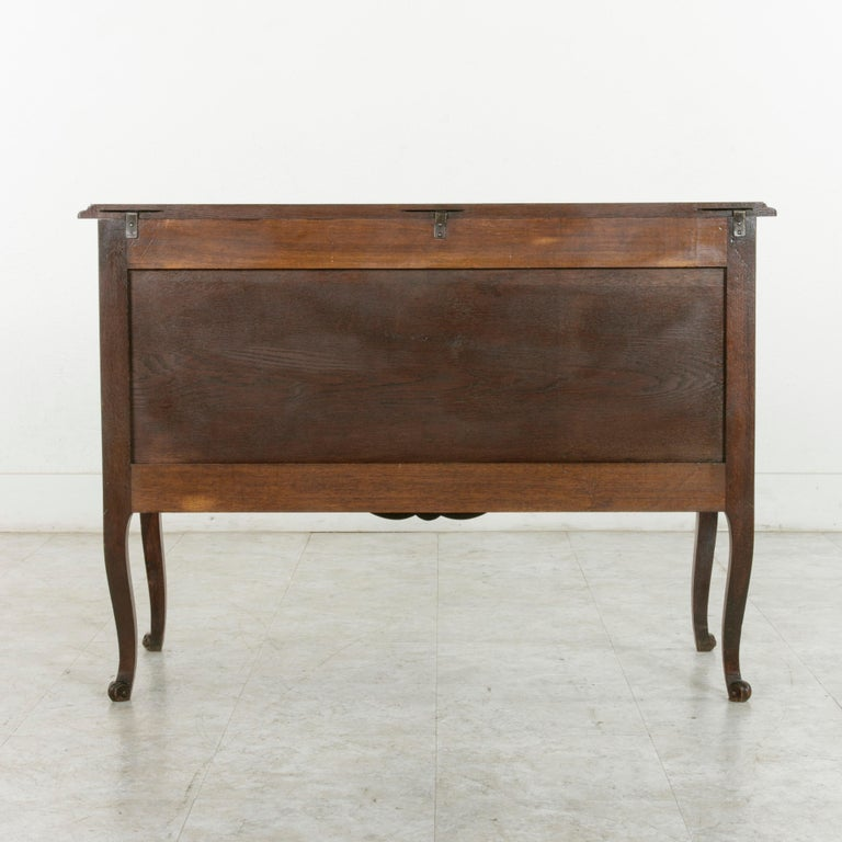 Iron Early 20th Century French Louis XV Style Hand Carved Oak Commode Sauteuse, Chest For Sale