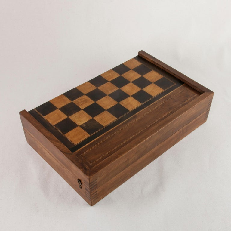 French Walnut and Pear Wood Marquetry Backgammon & Checkers Game Box, circa 1900 For Sale 1