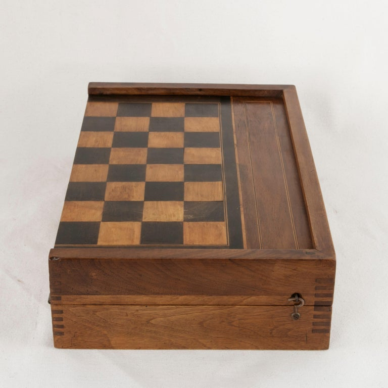 French Walnut and Pear Wood Marquetry Backgammon & Checkers Game Box, circa 1900 For Sale 5