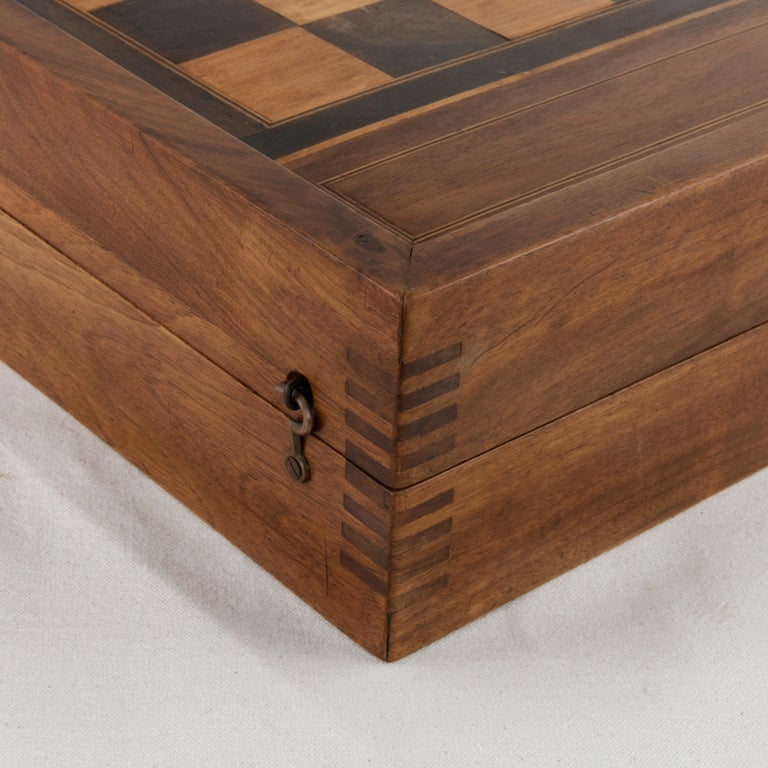 French Walnut and Pear Wood Marquetry Backgammon & Checkers Game Box, circa 1900 For Sale 6