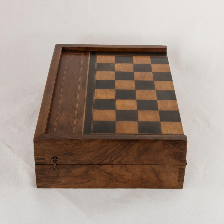 French Walnut and Pear Wood Marquetry Backgammon & Checkers Game Box, circa 1900 For Sale 3