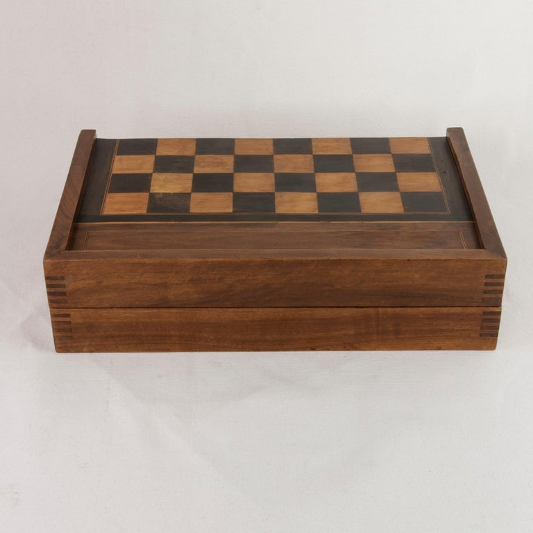 French Walnut and Pear Wood Marquetry Backgammon & Checkers Game Box, circa 1900 For Sale 2