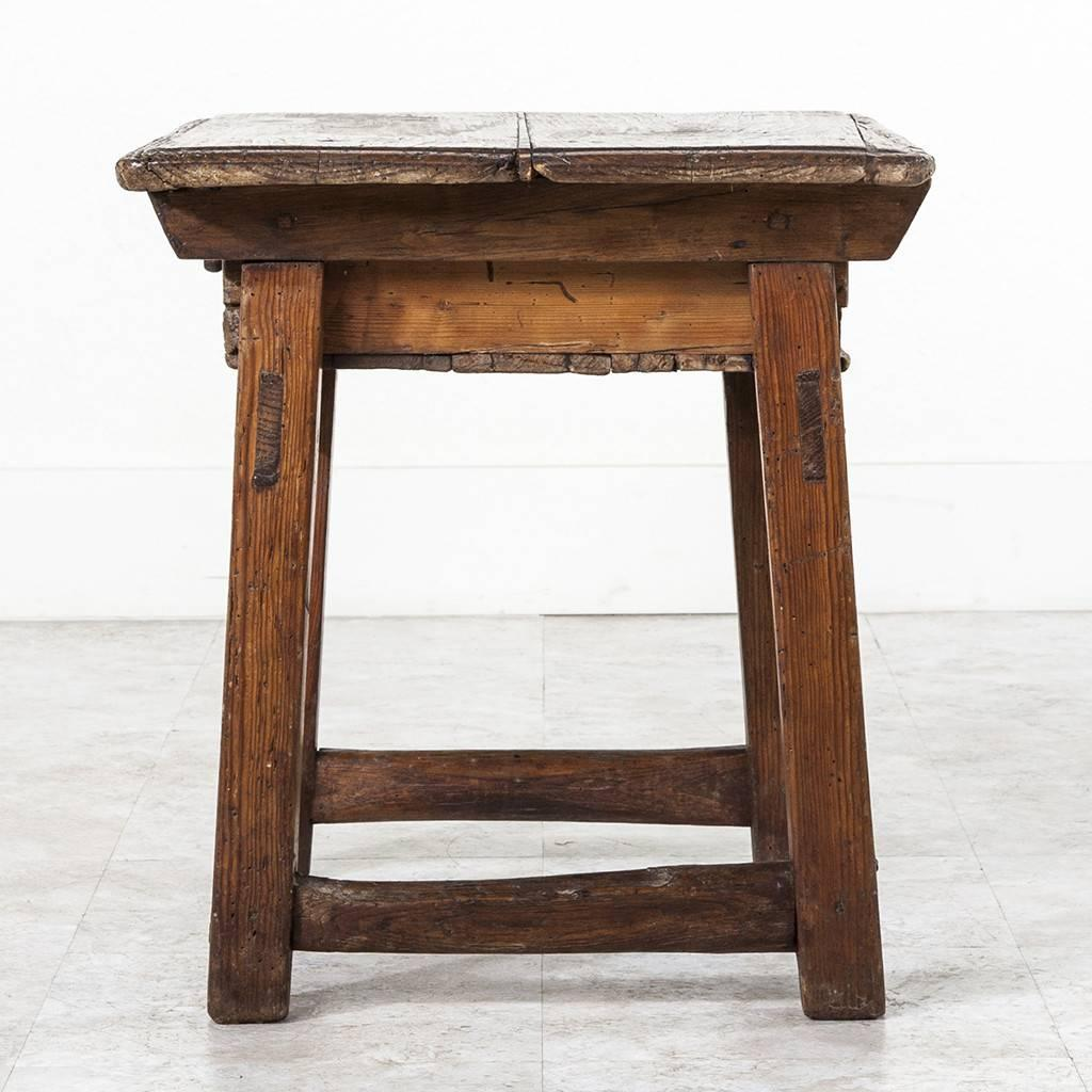 Rustic Side Table : 15B057_Rustic_Side_Table_03_z.jpeg