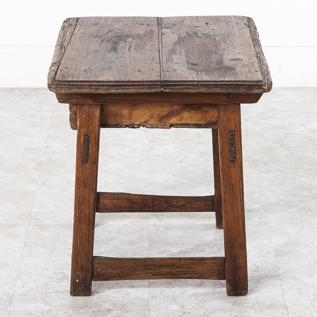 Rustic Side Table : 15B057_Rustic_Side_Table_05_z.jpeg
