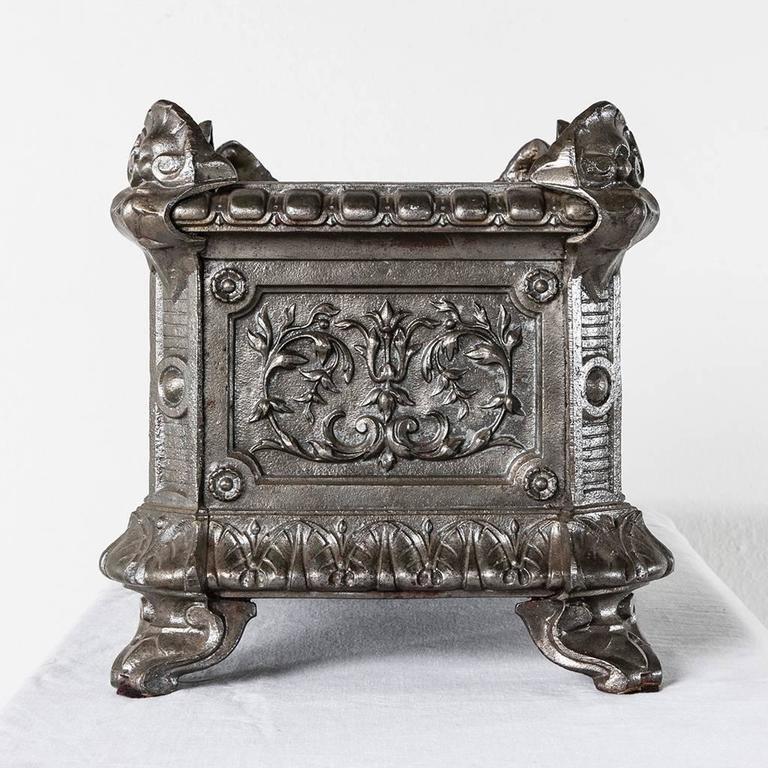 Napoleon iii period cast iron jardini re or planter circa for Jardiniere napoleon 3