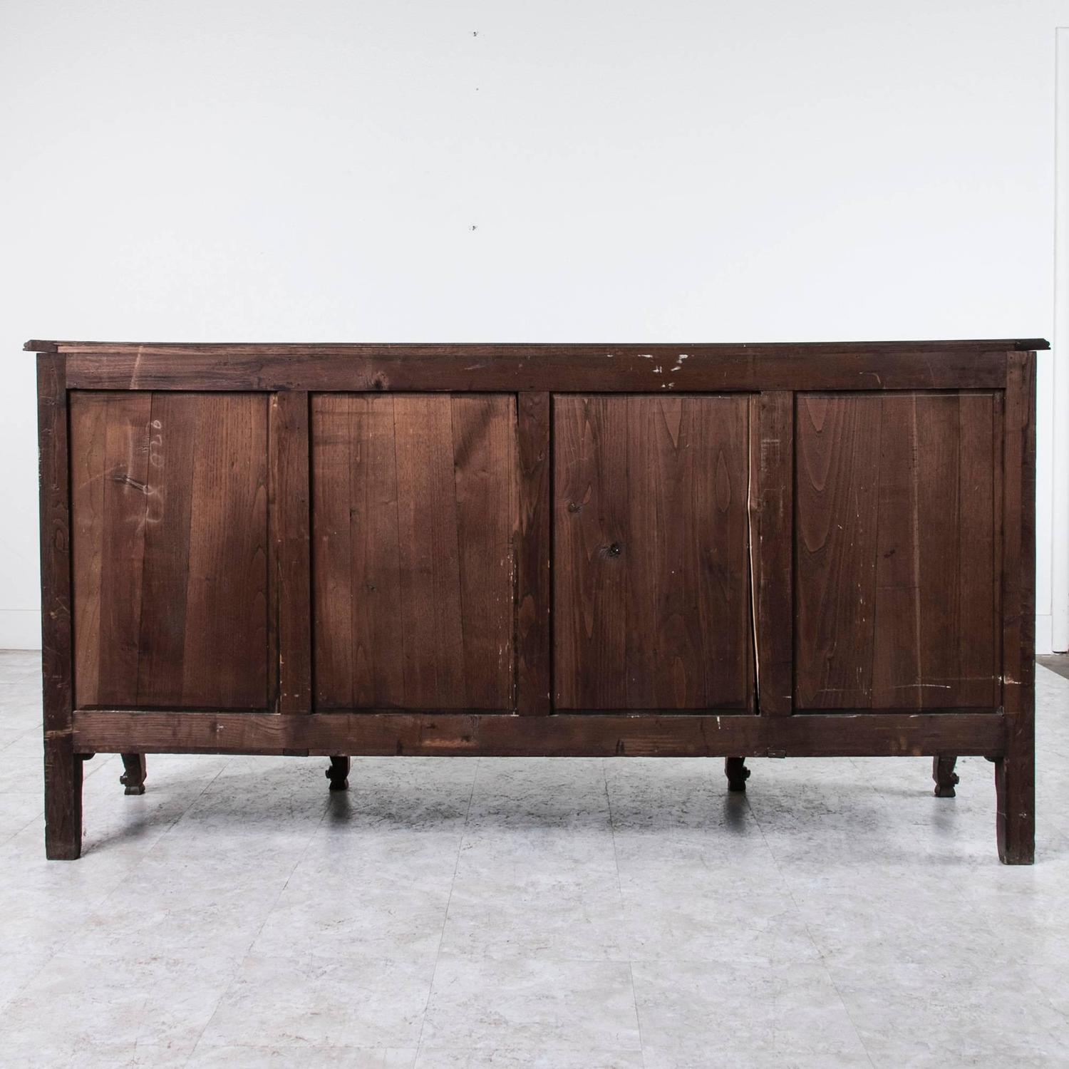 antique french louis xv style enfilade or buffet of hand carved solid oak for sale at 1stdibs. Black Bedroom Furniture Sets. Home Design Ideas