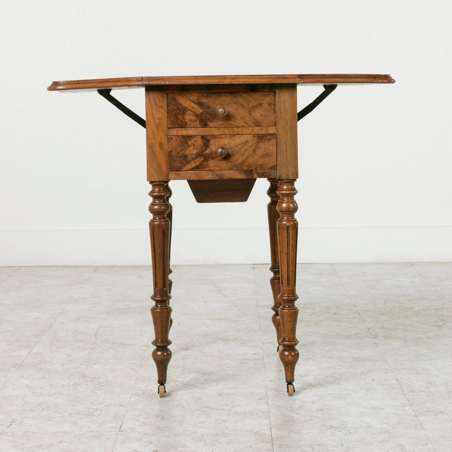 Double faced bookmatched walnut louis philippe side table for Table ronde louis philippe