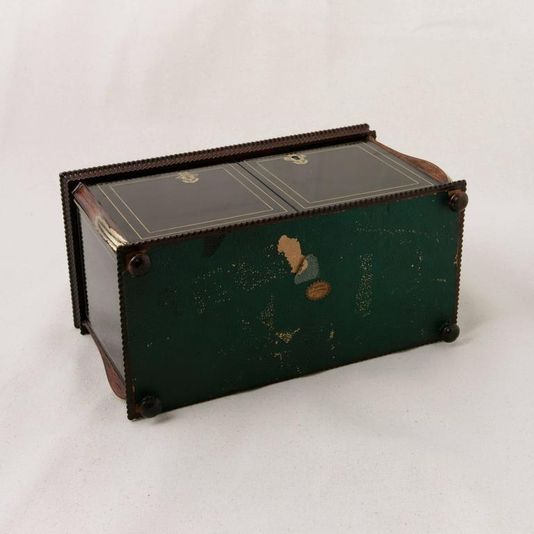 19th Century French Napoleon III Black Lacquer Liqueur Box with Bronze Inlay For Sale 4