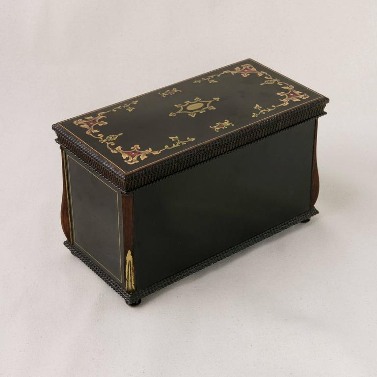 19th Century French Napoleon III Black Lacquer Liqueur Box with Bronze Inlay For Sale 5