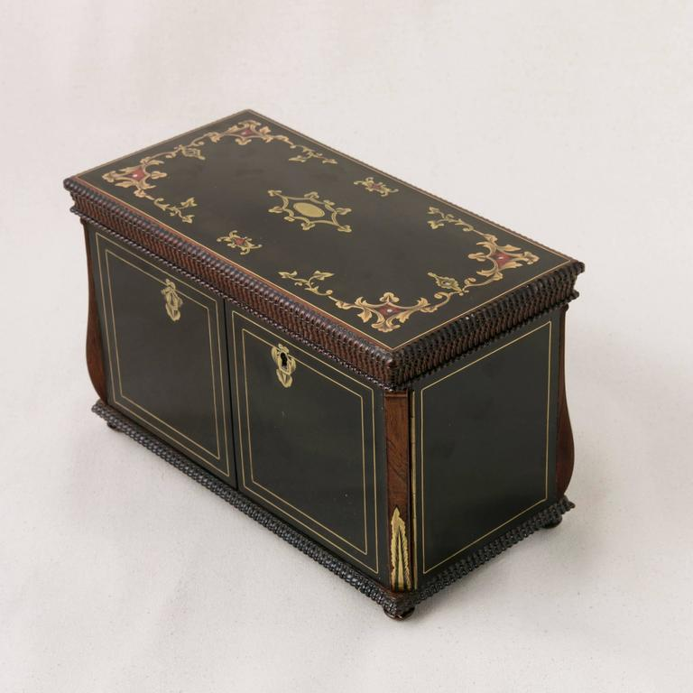 19th Century French Napoleon III Black Lacquer Liqueur Box with Bronze Inlay For Sale 6