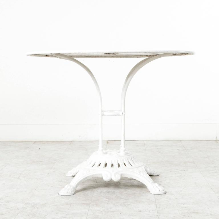 19th Century French Paris Round White Bistro Table With Cast Iron Base Metal  Top In Excellent