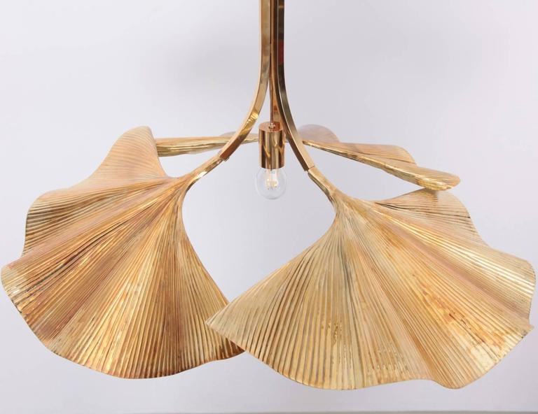 Very Rare Huge Ginkgo Leaf Brass Chandelier by Tommaso Barbi In Excellent Condition For Sale In Berlin, DE