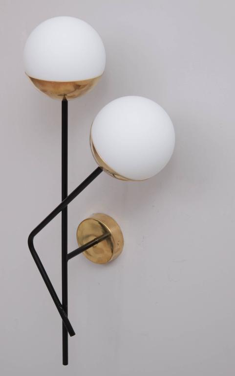 Italian One of six Brass and Glass Wall Lights or Sconces Attributed to Stilnovo For Sale