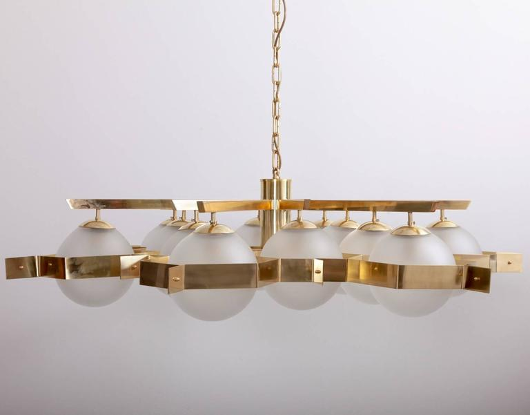 Hollywood Regency Monumental Brass and Glass Chandelier Attributed to Stilnovo For Sale