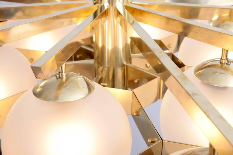 Monumental Brass and Glass Chandelier  In Excellent Condition For Sale In Berlin, DE