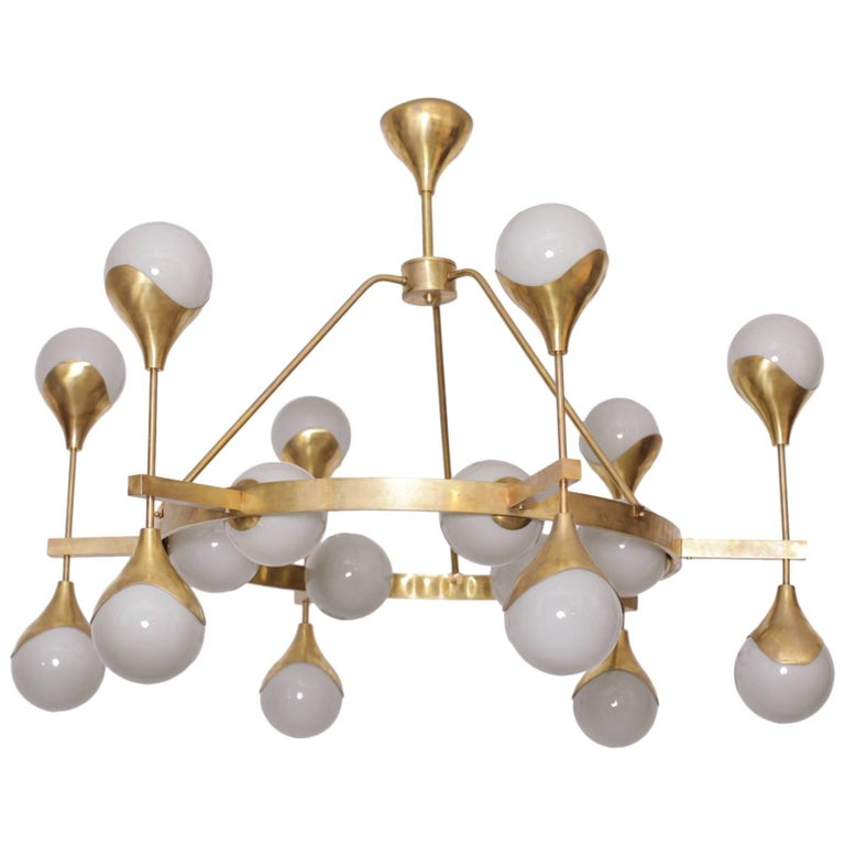 Very Large Murano Glass and Brass Chandelier in the Manner of Stilnovo