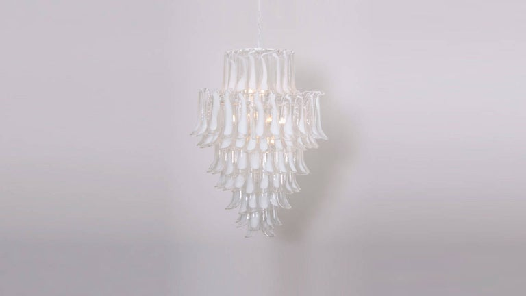 Italian Oversized Murano Glass Tulipani or Feather Chandelier Attributed to Mazzega For Sale