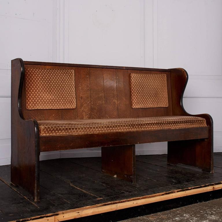 Quarter Sawn Oak Upholstered Pew In Good Condition For Sale In London, GB