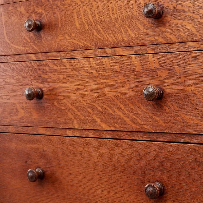 Arts and Crafts Oak Chest of Drawers 4