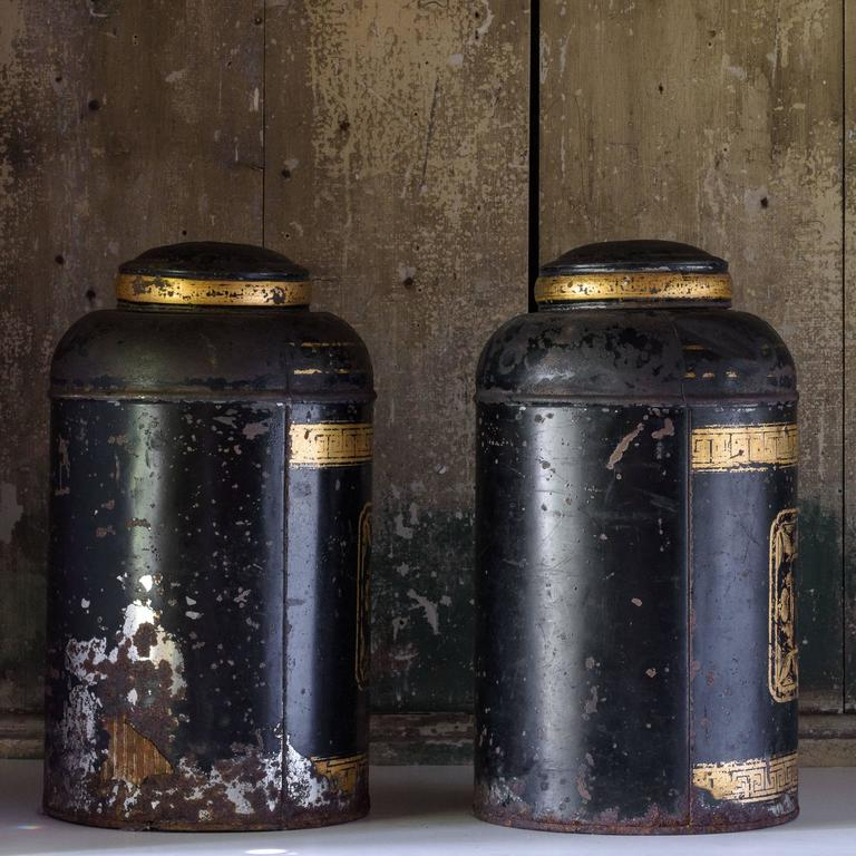 Late19th Century Toleware Tea Canisters In Distressed Condition For Sale In London, GB