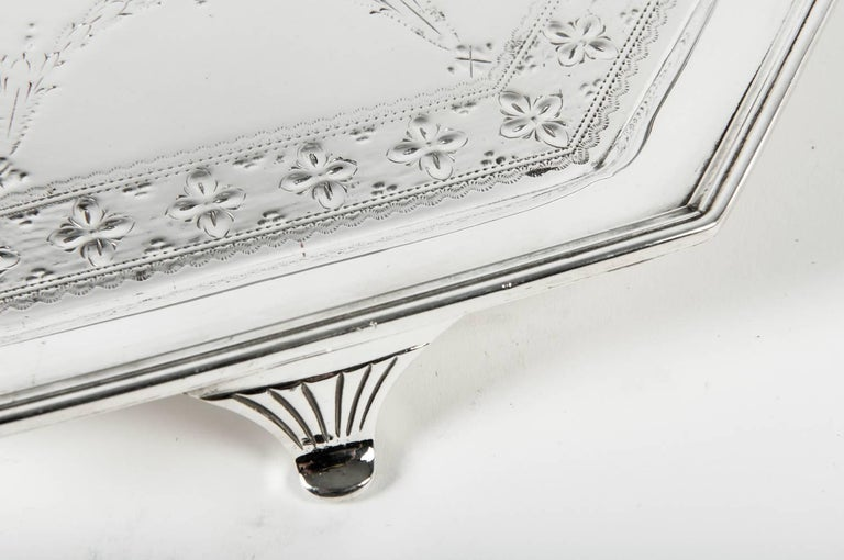 Vintage English Silver Plate Octagonal Footed Tray In Excellent Condition For Sale In Hudson, NY