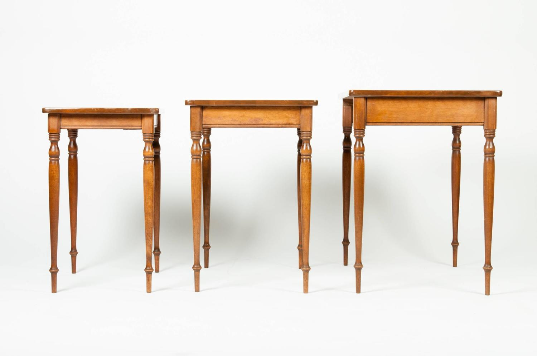 Vintage Light Mahogany Nesting Tables At 1stdibs