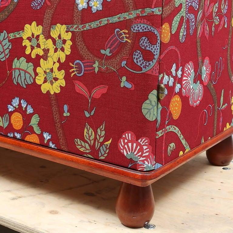 "Josef Frank ""Baranquilla"" Upholstered Cabinet, Sweden, 1943-1945 In Good Condition For Sale In Salzburg, Austria"