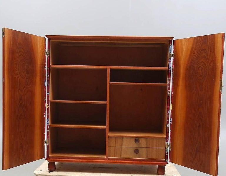 """Josef Frank """"Baranquilla"""" Upholstered Cabinet, Sweden, 1943-1945 For Sale 1"""