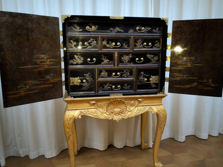 Japanese Lacquer Cabinet In Good Condition For Sale In Hilversum, NL