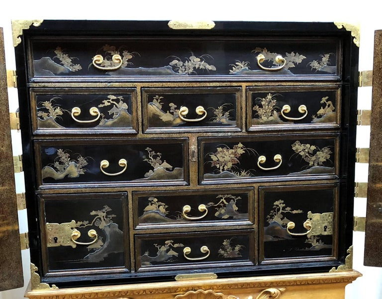 17th Century Japanese Lacquer Cabinet For Sale