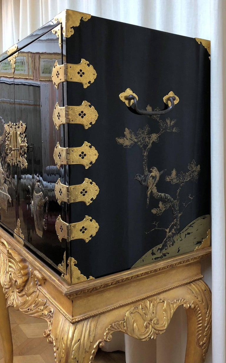 Japanese Lacquer Cabinet For Sale 3