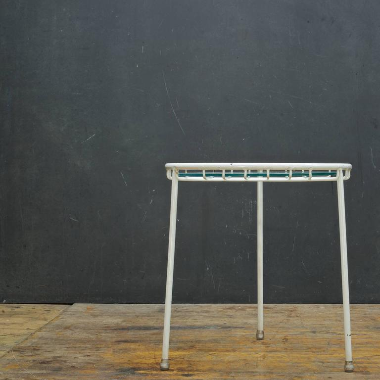 Enameled 1950s Rare George Nelson Associates Arbuck Table Stool Wire Grid Iron Patio  For Sale