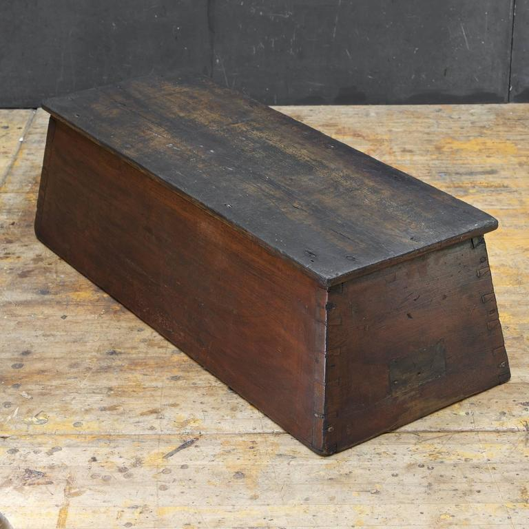 American Primitive Wooden Monolith Step or Shelf Display In Fair Condition For Sale In Washington, DC