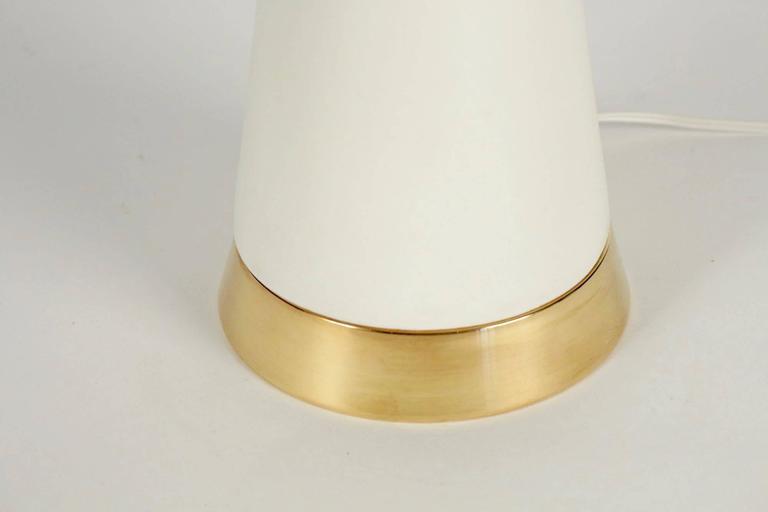 1950s Sculptural White Enameled Ceramic Lamp, Brass Ornaments, Gerald Thurston 4